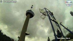 Смотреть Бросок в кольцо с высоты 100 метров