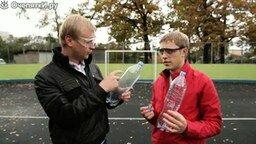 Смотреть Любопытные опыты с жидким азотом
