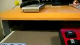 Нежданный гость из стола смотреть видео прикол - 0:28