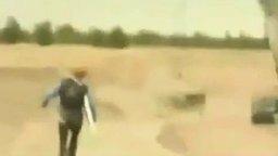 Самый отважный прыжок с парашютом смотреть видео - 0:34