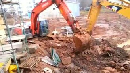 Вызволение из грязевого плена смотреть видео прикол - 4:24