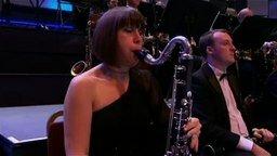 Смотреть Том и Джерри в исполнении оркестра
