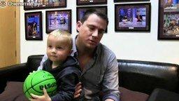Смотреть Меткий маленький баскетболист