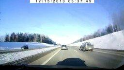 Ловко уместился между машин смотреть видео прикол - 0:29