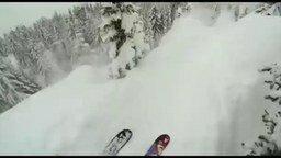 Смотреть Крутой спуск на лыжах от первого лица
