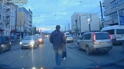 Смотреть Ролик про добро на дорогах
