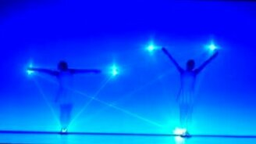 Потрясающее волшебное шоу смотреть видео - 4:24