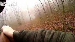 Смотреть Кабан проучил охотника