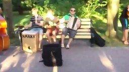 Смотреть Астраханские уличные музыканты