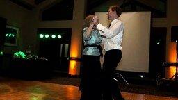 Смотреть Свадебный танец мамы и сына