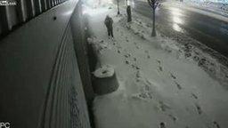 Смотреть Суровые снегоуборщики