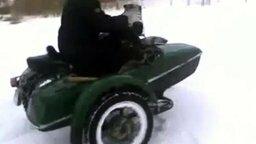 Пятаки на мотоцикле с коляской смотреть видео - 1:37