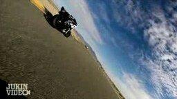Когда песок попал под колесо смотреть видео прикол - 0:54