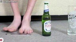 Самые прикольные способы открыть пиво смотреть видео прикол - 2:39