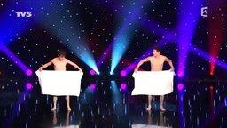 Смотреть Танец в полотенцах
