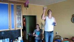Первоапрельский розыгрыш для жены смотреть видео прикол - 1:15