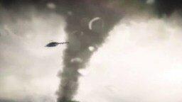 Смотреть Вертолёт против огромного смерча