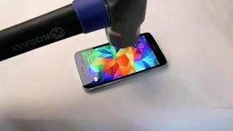 Смотреть Осторожнее разбивайте телефоны