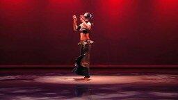 Смотреть Женский танец с саблей
