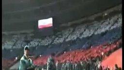 80 000 болельщиков исполняют наш гимн смотреть видео - 1:34