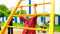 Смотреть 72-летняя атлетка