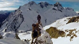 Сноубордист среди гор смотреть видео прикол - 1:41