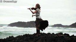 Смотреть Скрипачка у океана
