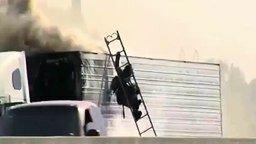 Смотреть Пожарному не повезло