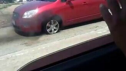 Смотреть У вас машина горит!