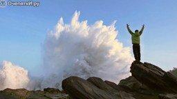 Смотреть Величие морских волн