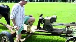 Смотреть Винтажная газонокосилка