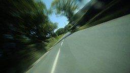 Смотреть Бешеная езда на мотоцикле