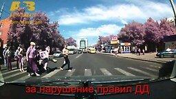 Неаккуратные и неопытные мотоциклисты смотреть видео прикол - 4:23
