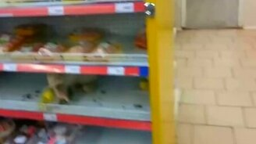 Кошка в супермаркете смотреть видео прикол - 0:18