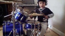 Четырёхлетний барабанщик смотреть видео - 3:24