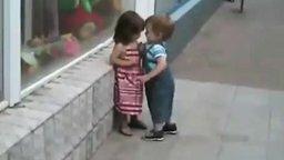 Не сломляемый мальчуган смотреть видео прикол - 1:58