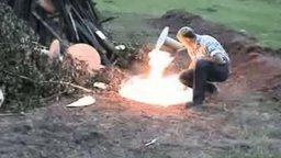 Слабоумие в обращении с огнём смотреть видео прикол - 1:56