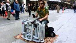 Электронная музыка на водосточных трубах смотреть видео - 10:06