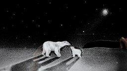 Смотреть Песочная анимация: белые медведи