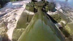 Смотреть Заплыв на танке