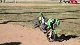 Смотреть Гонки на радиоуправляемых мотоциклах