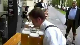 Смотреть Не донёс тяжёлое пиво