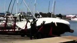 Неудачный спуск судна на воду смотреть видео прикол - 0:26