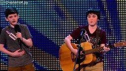 Смотреть Талантливый дуэт мальчиков