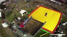 Экстремальные прыжки на батут смотреть видео прикол - 3:15