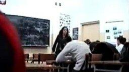 Школьник в маске смотреть видео прикол - 0:19