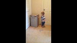 Смотреть Двухлетний спортсмен