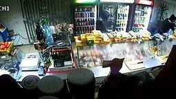 Убойная продавщица смотреть видео - 0:25