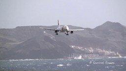 Смотреть Экстремальные приземления самолётов