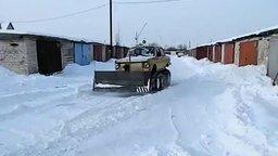 Смотреть Запорожец-снегоуборщик